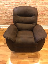 Recliner  Laurel, 20708