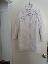 white floral bubble jacket Annandale, 22003
