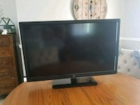"32"" Westinghouse TV  Fargo, 58102"