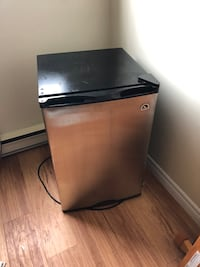 Mini fridge  Sarnia, N7S 5K8