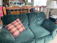3 piece green sofa couch set Stafford, 22554