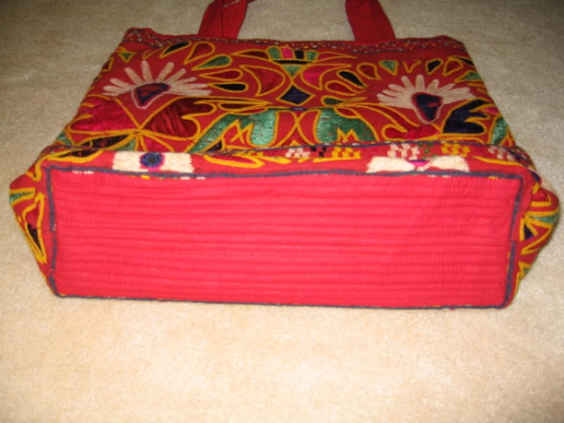 Vintage Indian red embroidery shoulder bag 1