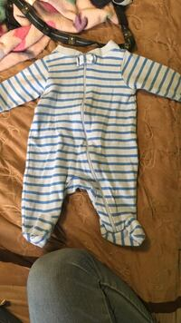 Baby's white and blue striped blanket sleeper Sandy, 84070