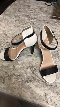 Charlotte Russe  size 8 black and white heels Gulf Shores, 36542
