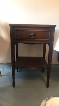Antique Side Table Baltimore, 21236