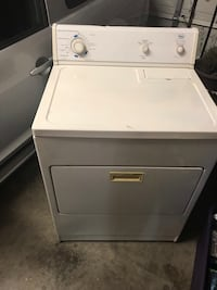 white front-load clothes washer 528 mi