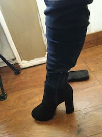 pair of black suede knee-high boots West Sacramento, 95691
