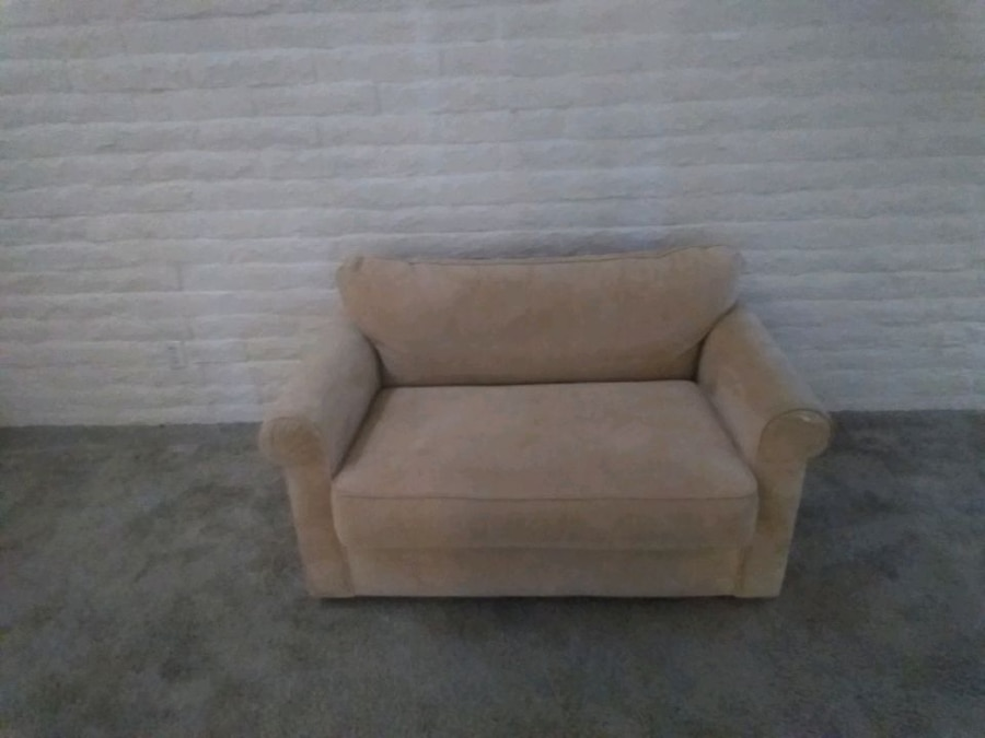 Photo Very rare very plush twin size sofa bed