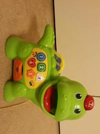 toddler's green and yellow musical toy Woodbridge, 22192