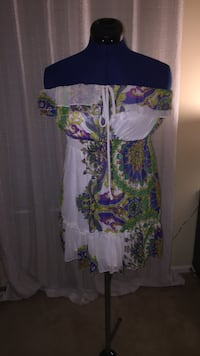 white and multicolored floral off-shoulder mini dress Gaithersburg, 20878