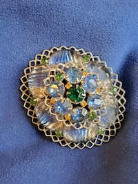 1950s Vintage rhinestone domed style brooch Essex, 21221