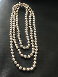 "Golden tone Carol Lee Faux pearl necklace 91cm/36"" Burnaby, V5H 1Z9"