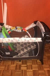 Baby trend play pen Mississauga, L5B 3A7