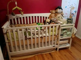 Brand new crib with change table