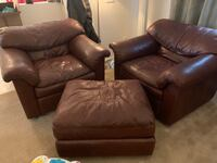 Two leather chairs with ottoman Henderson, 89052