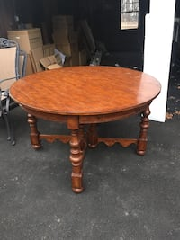 Wooden dining table with 6 chairs Cedar Grove, 07009