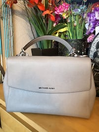 Light grey Micheal kors purse  Las Vegas, 89138