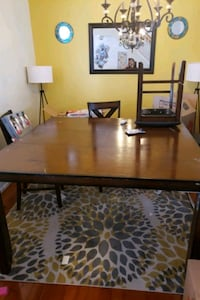 10 people dining table with area rug  Germantown, 20874