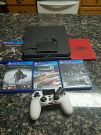 PS4 slim 2tb 5 games and controller