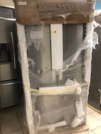 "Brand New 36"" Whirlpool French Door Refrigerator (Scratch and Dent) Elkridge, 21075"