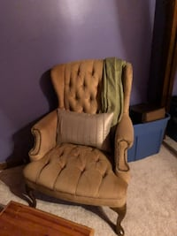 Chair Somers, 06071