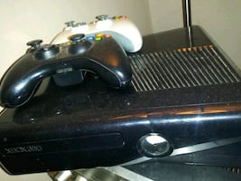 Xbox 36p with games and 2 controllers