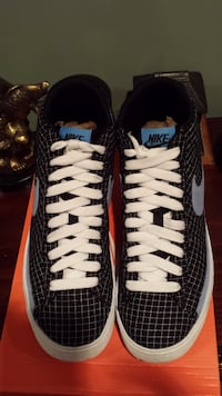 NIKE BLAZER MEN'S SIZE 9.5 Washington