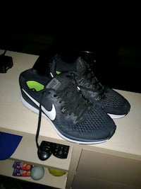 Nike trainers str 42