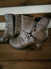 pair of women's brown leather side-zip buckled boots Oakville, L6H 7A4