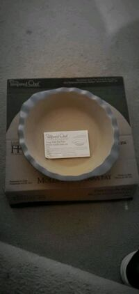 Pampered chef pie plate Fairfax