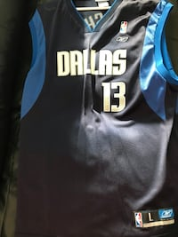 Dallas mavericks - never worn Nash jersey  Toronto, M5V 3Y2