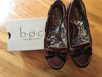 Womens boc born 6.5 brown leather flats Coon Rapids, 55433