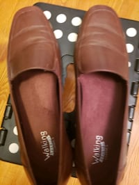 Size 9; brown; comfortable Germantown, 20874