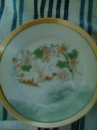 round white and green floral ceramic plate Anderson, 96007