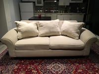 EXCELLENT CONDITION WHITE COUCH FOR SALE Richmond Hill, L4B 4G5