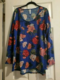 blue and red floral long-sleeved shirt Queens, 11385