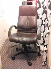 black leather office rolling armchair Burnaby, V3N 1J8