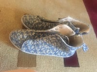 Pair of gray-and-white sneakers size 9 St Albert, T8N 3M6