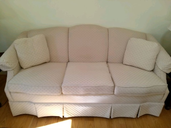 Sofa couch, camel back.  Non-smoking home and no pets. b90a2c6c-ed4f-49a0-ac0c-fb2d44745076