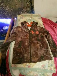 brown and green camouflage zip-up jacket Phenix City, 36870
