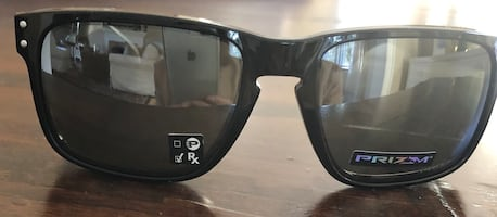 Men's Oakley sunglasses Holbrook