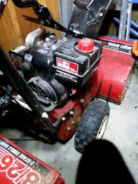 black and red Craftsman snow blower Milwaukee, 53207