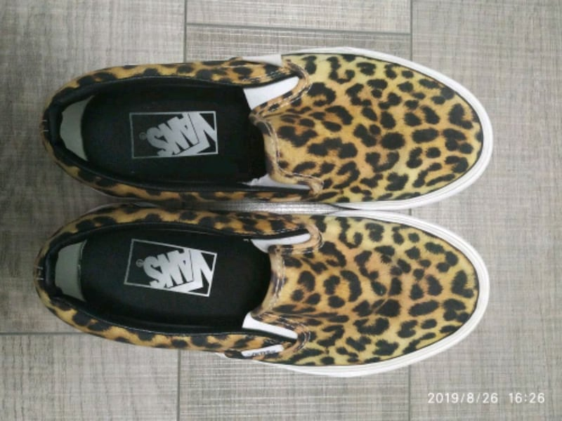 Women Vans leopard slip on 0