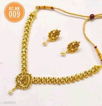 gold and diamond embellished necklace New Delhi, 110091