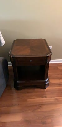 End Table/Night Stand Myrtle Beach, 29588