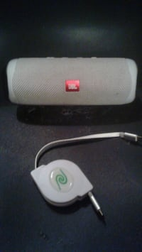 JBL flip 5 with cord