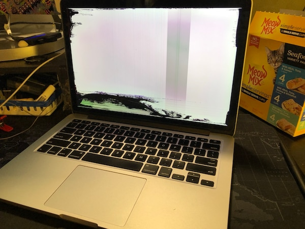 MacBook Pro retina late 2012 cracked screen works with HDMI