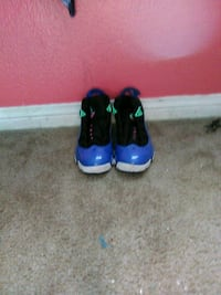 pair of blue-and-black Nike basketball shoes Beaumont, 92223