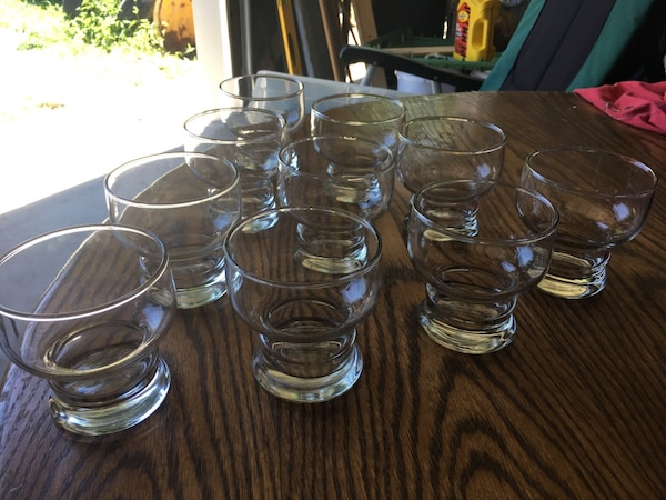 10 juice glasses. c6098c07-95a4-4437-b831-21964bc6a3d5