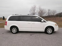 2008 Chrysler Town and Country Toronto